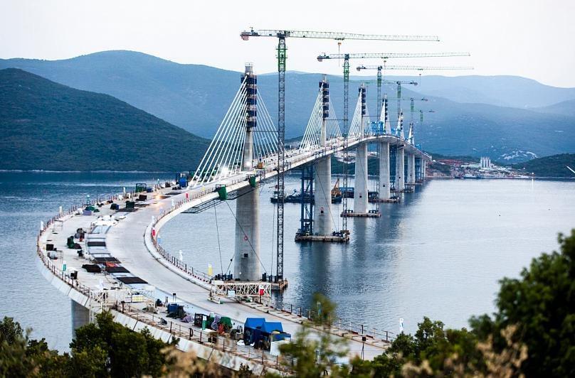 A duhet të shtypim shqiptarët e Maqedonisë që mos ketë problem autostrada Beograd – Selanik?