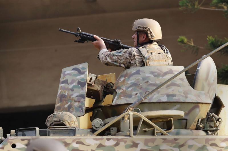 Libani në prag të luftës civile/ Gjenerali i ushtrisë paralajmëron veprime kundër kaosit