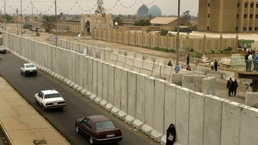 Dy raketa bien mbi Ambasadën Amerikane në Bagdad