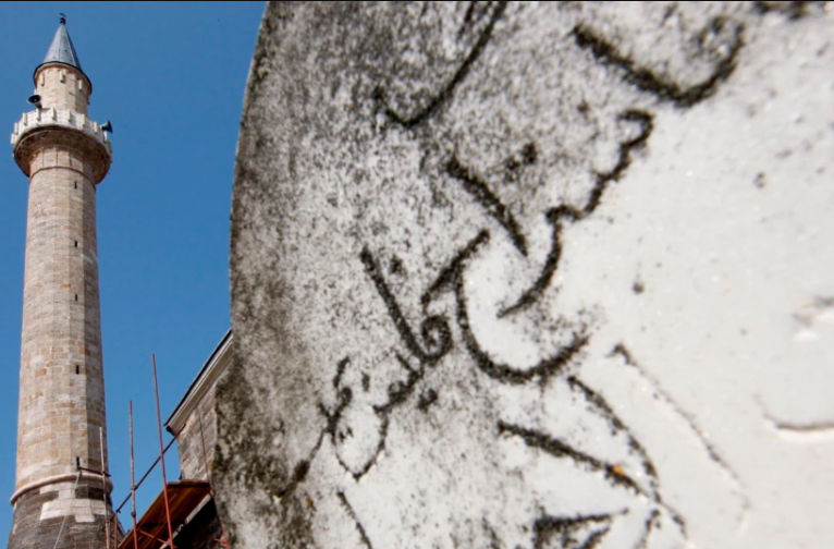Përpjekja për rindërtimin e monumenteve fetare të djegura dhe shkatërruara nga forcat serbe