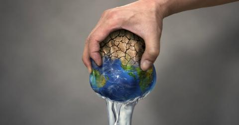 Në borxh me planetin ku jetojmë