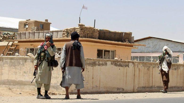 Pse Afganistani ra kaq lehtë dhe kaq shpejt në duart e talebanëve?