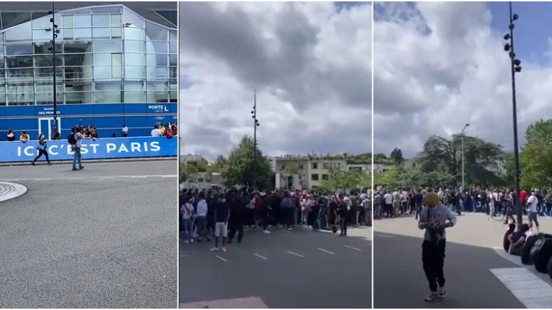 Kaos i madh në aeroportin e Parisit, mediat nga e gjithë bota në pritje të Lionel Messit