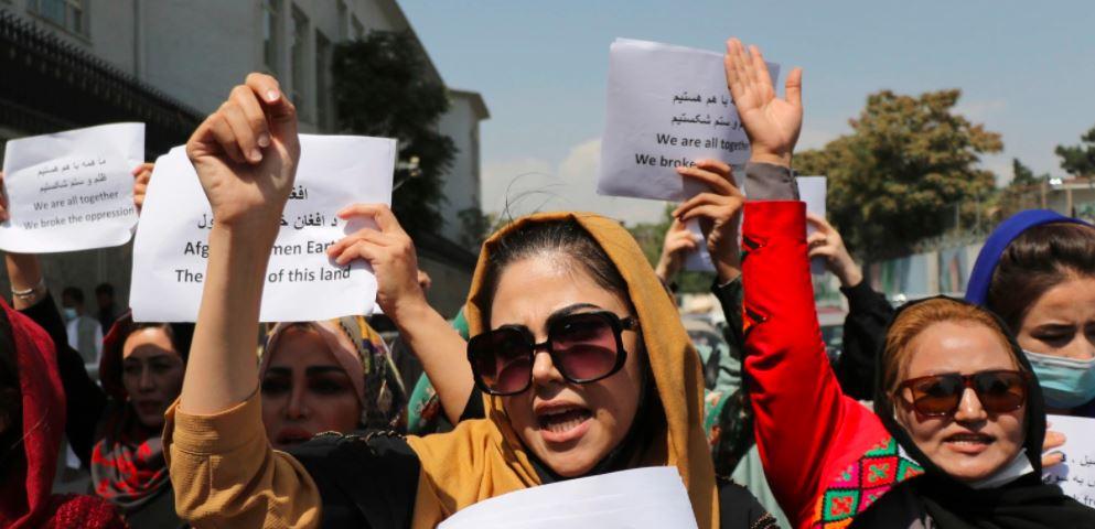 Gratë afgane protestojnë në Kabul, kërkojnë të drejta për studim dhe punësim