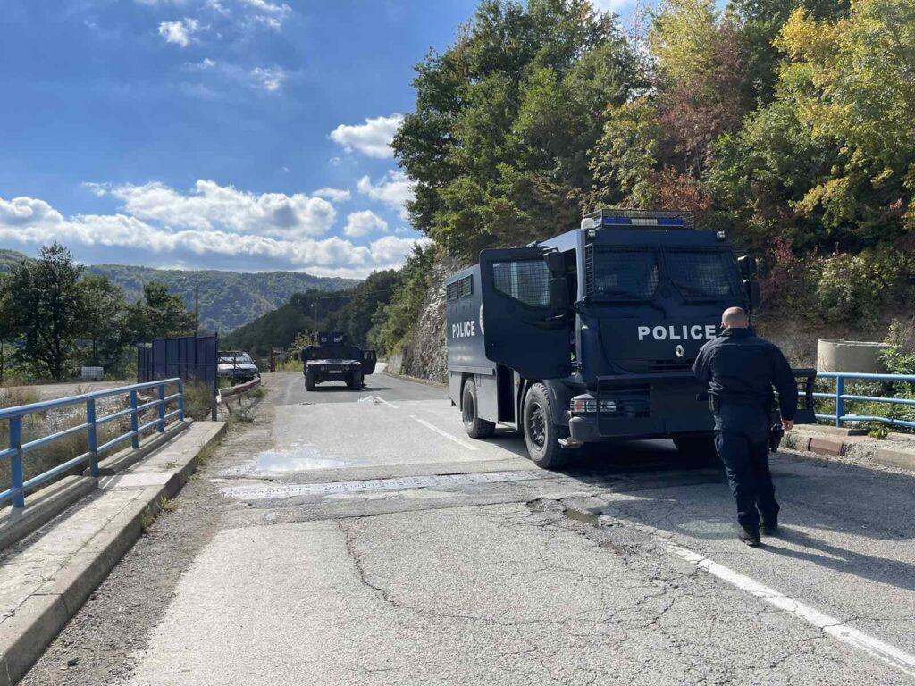 Eksperti amerikan: Serbia krijoi krizën në Kosovë për të arsyetuar rinisjen e fushatës së çnjohjeve