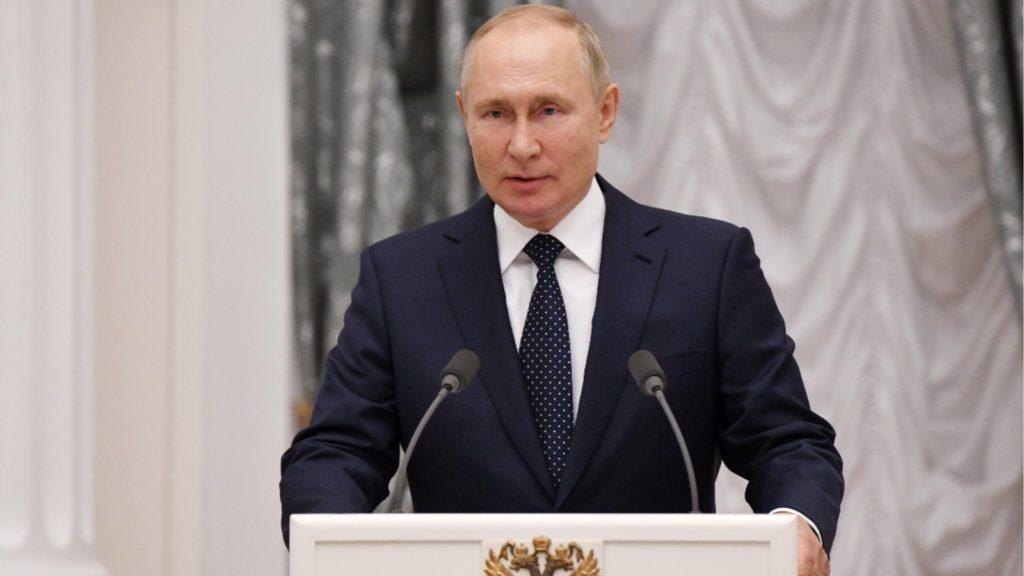 Putin fiton zgjedhjet, por jo shumicën. Rritje e konsiderueshme e komunistëve