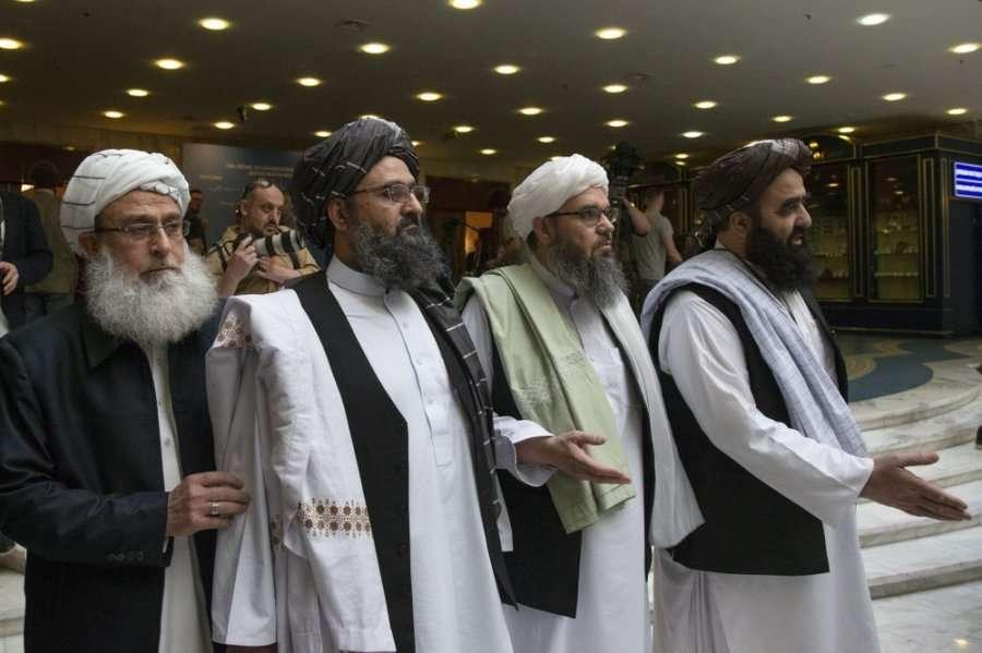 Afganistan: Liderët talebanë përplasen në pallatin presidencial