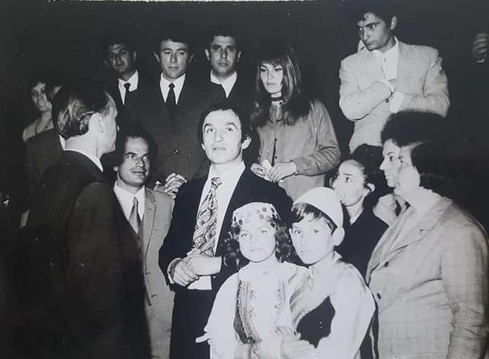 Fotot e rralla nga vizita e aktorit Bekim Fehmiu në Shkodër në vitin 1972