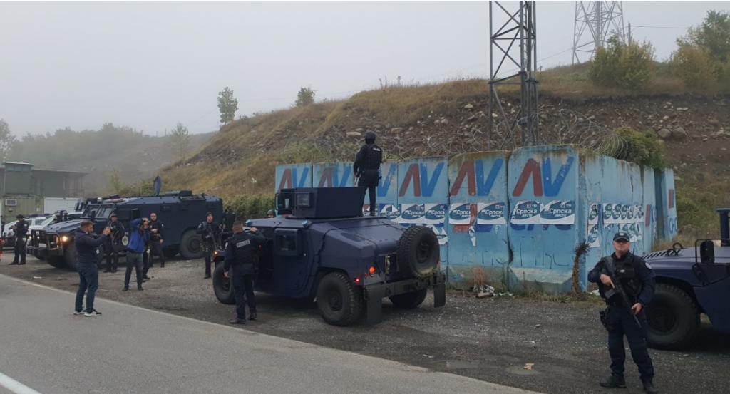 Blindohet kufiri me Serbinë, dhjetëra forca të Njësive Speciale mbërrijnë në Jarinjë