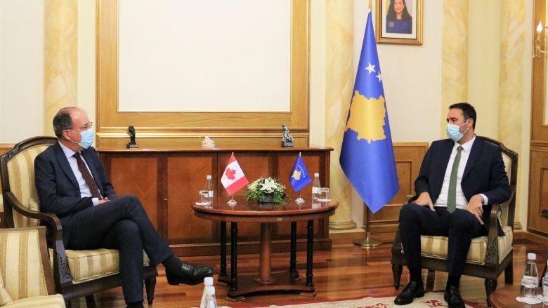 Kryeparlamentari Konjufca dhe ambasador i Kanadasë flasin për projekte të ndryshme zhvillimore