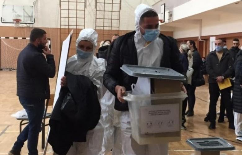 Zgjedhjet në Kosovë, votojnë të burgosurit dhe të infektuarit me Covid