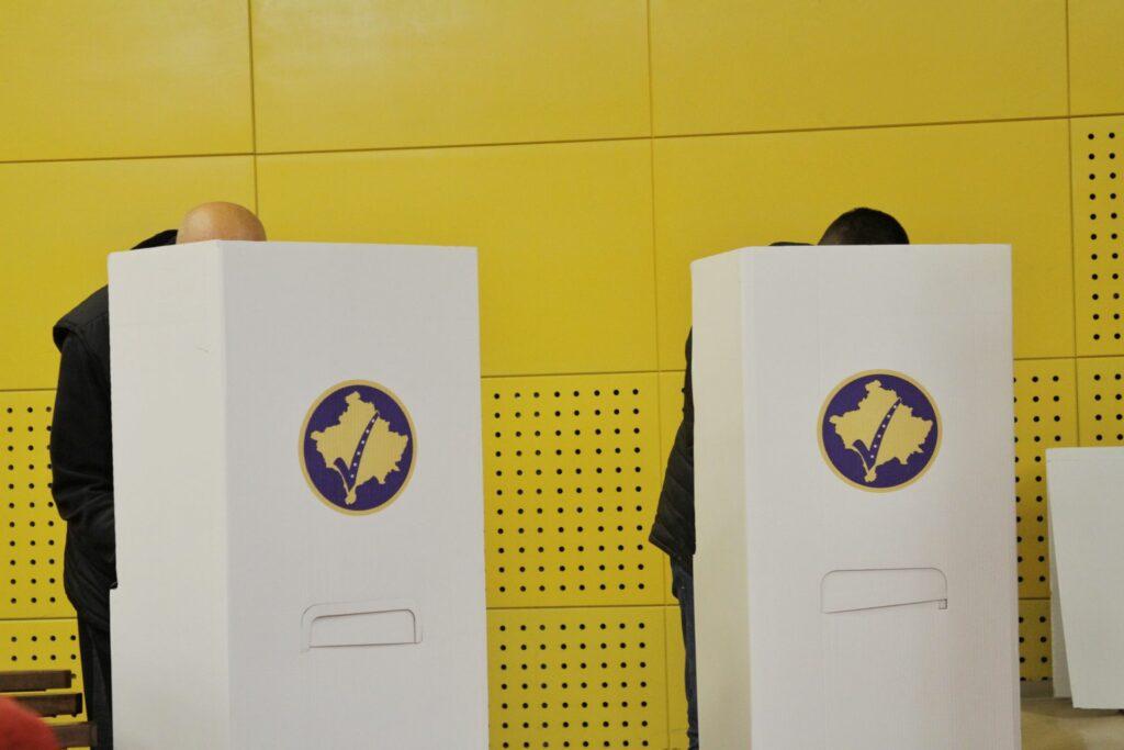 Kosovë, KQZ: Deri në ora 11:00 votuan mbi 150 mijë qyetarë