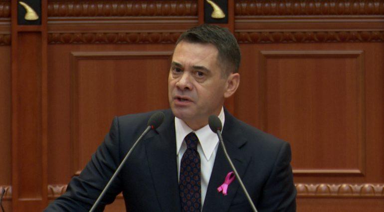 Ahmetaj legjitimon patronazhistët në Parlament