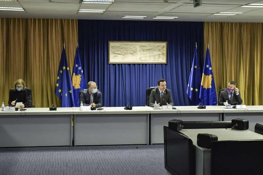 Kurti ua shpjegon eurodeputetëve aksionin e Policisë në veri