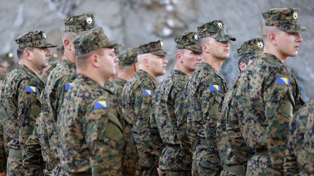 A do të nisë lufta për Krishtlindje në Ballkan?
