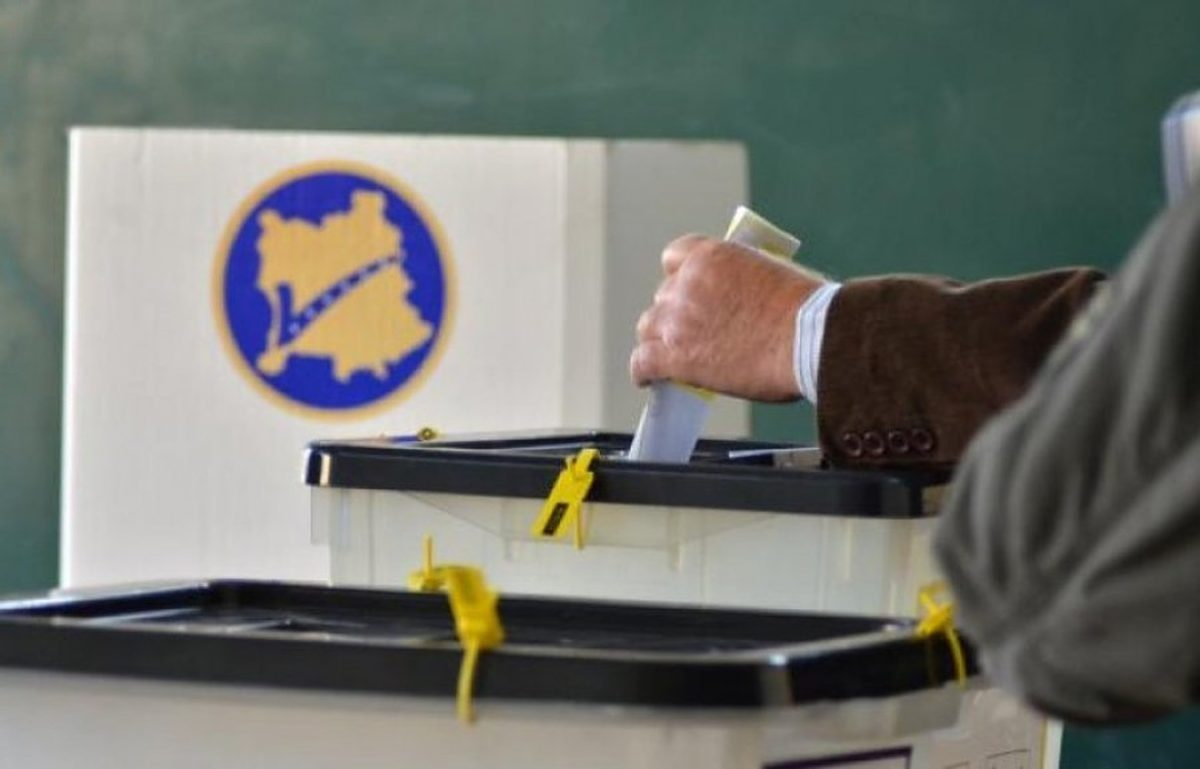 Zgjedhjet në Kosovë/ Në 10 komuna përfundon numërimi, AAK-ja fiton pa balotazh në Deçan e Suharekë