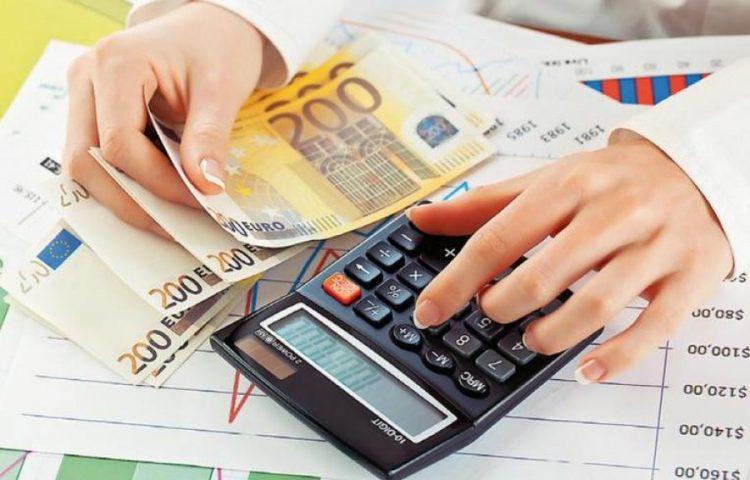 """Çmimet e larta """"shpëtojnë"""" buxhetin, të ardhurat rriten, nuk rimëkëmben fitimet"""