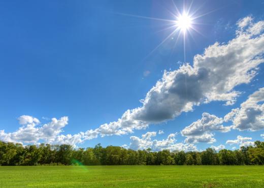 Temperatura pranverore, kthjellime dhe vranësira! Parashikimi i motit për sot