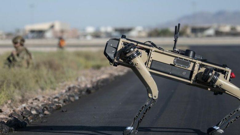 Kompania amerikane prezanton robotin që ka të montuar në trup një snajper