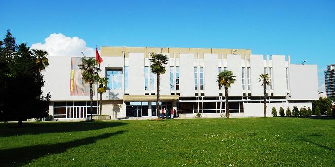 KKT jep 13 leje për hotele e vila në bregdet, kalon edhe ndërhyrja tek Galeria e Arteve të Bukura