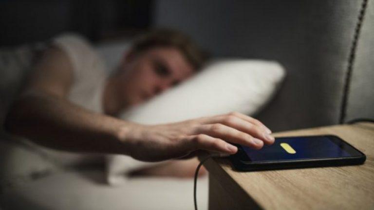 A e lini telefonin tuaj në karikues gjatë natës? Kjo mund të mos jetë një ide e mirë