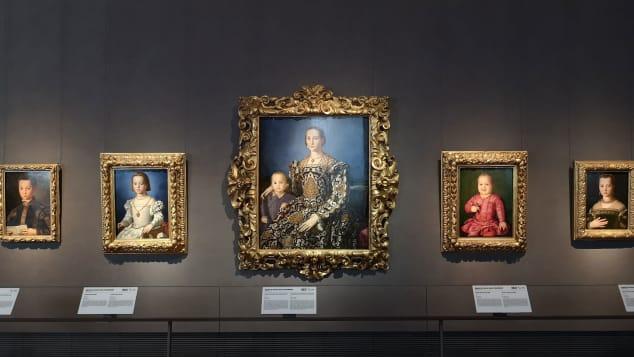 """Një nga vendet më të famshme të Italisë, """"galeria Ufizzi"""", hapet për vizitorët"""