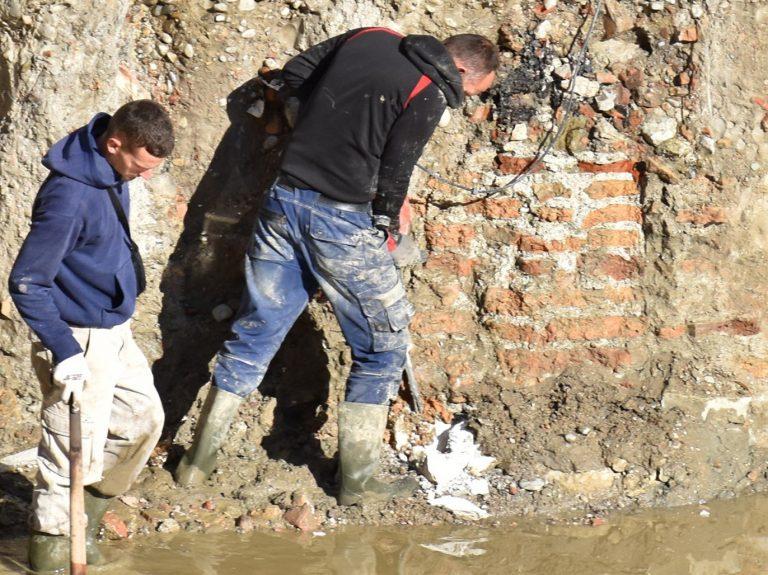 Rindërtimi pas tërmetit po shkatërron trashëgiminë arkeologjike të Durrësit