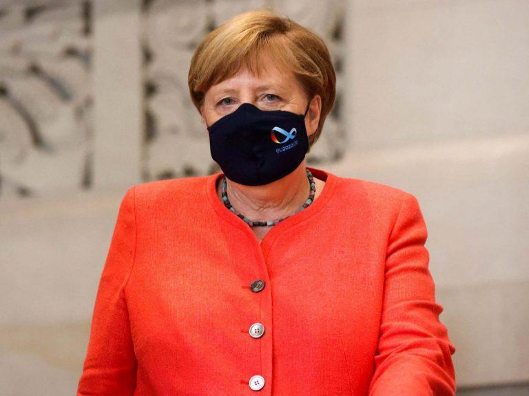 """Merkel vaksinohet me """"AstraZeneca"""""""