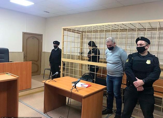 Foto/ Interpol zbulon bunkerin ku pedofili mbante 7-vjeçarin, forcat speciale ruse shpëtojnë djaloshin prej pengmarrësit