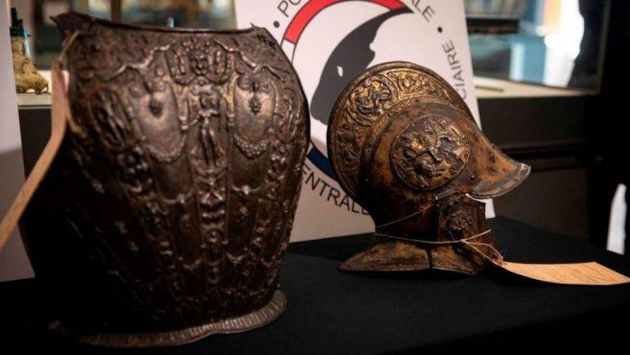 Kthehen në Luvër dy objekte të grabitura 38 vite më parë