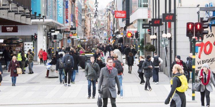 Zbutet pandemia në vendet nordike; tjetër shtet lehtëson masat antiCovid: Organizimet deri në 50 persona