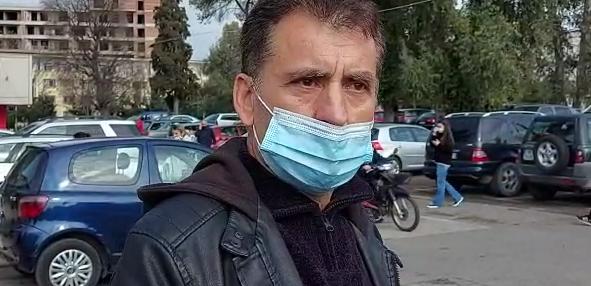 """""""Kam dy ditë që pres informacion, por s'më ka telefonuar asnjë"""", vëllai nga Infektivi: Motra ishte në gjendje të rëndë prandaj e sollëm"""