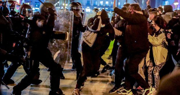 Pse po protestojnë spanjollët pas burgosjes së një reperi?